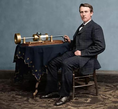 爱迪生发明留声机.jpg